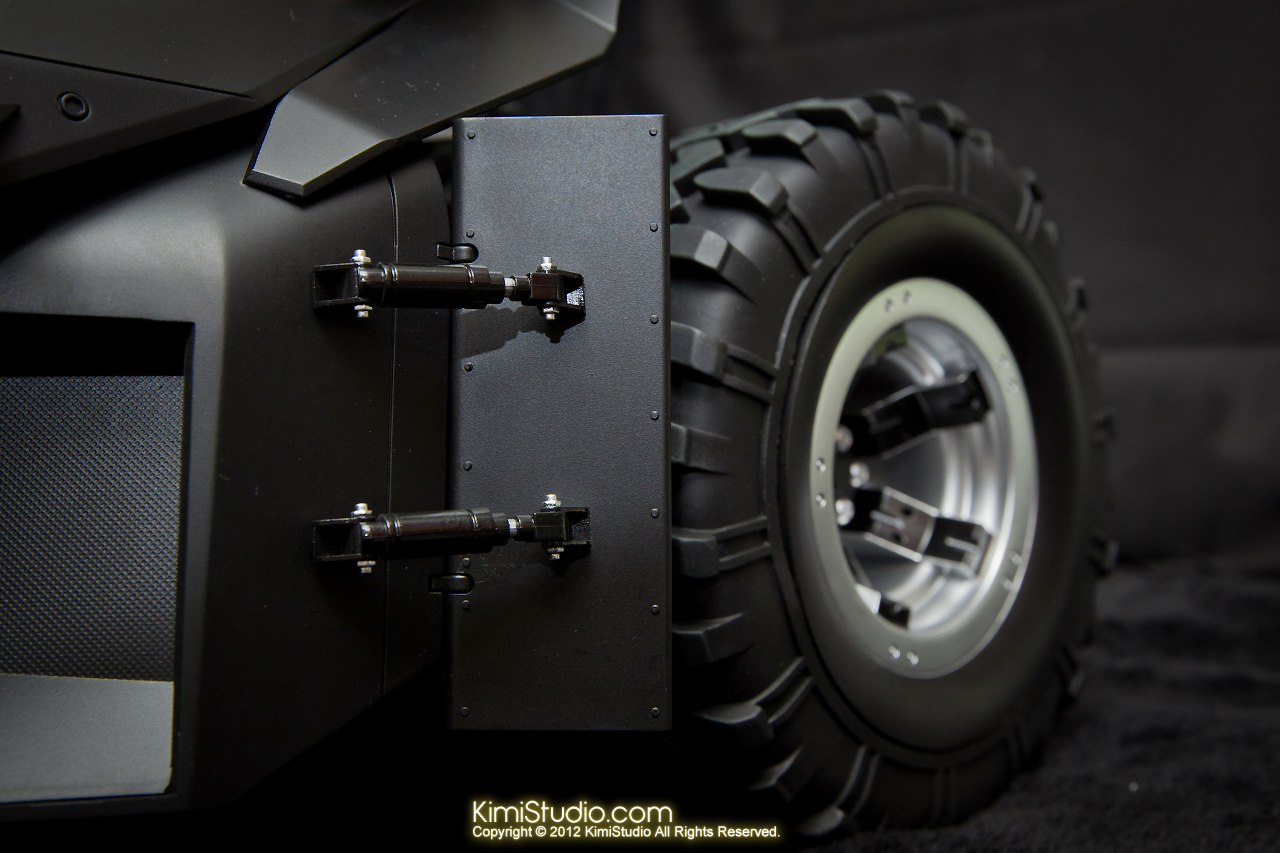 2012.09.22 MMS69 Hot Toys Batmobile-019