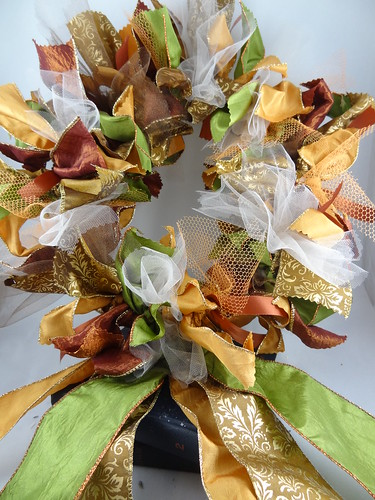 Halloween Rag Wreath Sept 2012 (21)