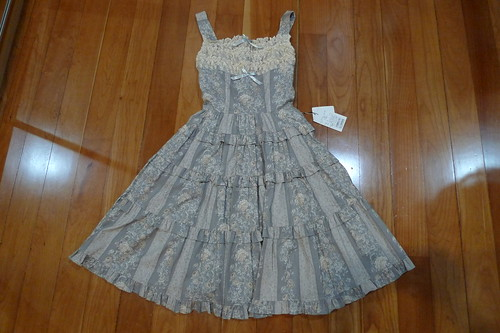 Innocent World Antique Rose Tiered JSK in Gray