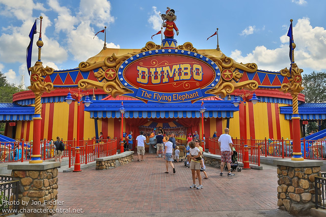 WDW Sept 2012 - Checking out Storybook Circus