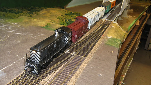 Santa Fe switching local crosses the Missisippi River lift bridge. by Eddie from Chicago