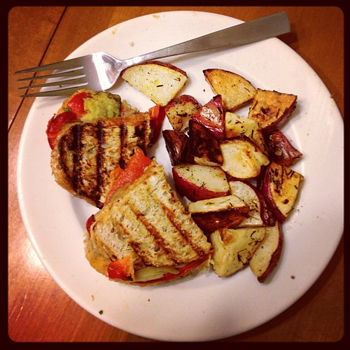 Roasted veggie sammies and grilled potatoes. #vegan #dinnertime