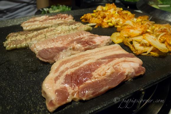 Palsaek Samgyeopsal (팔색 삼겹살) pork