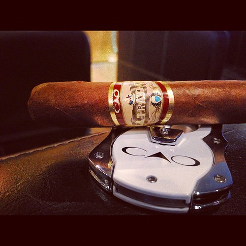 Starting the day with a La Traviata Animados by @caocigars