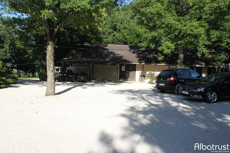 photo du golf Golf Norges Dijon Bourgogne - Parking