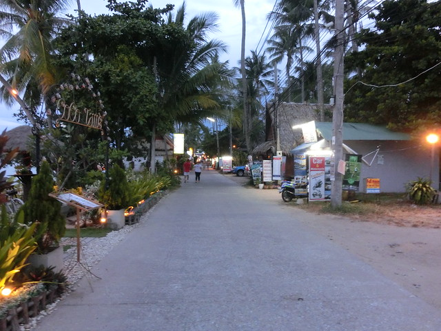 Restaurants & Shops - Fisherman's Village Beach Rd