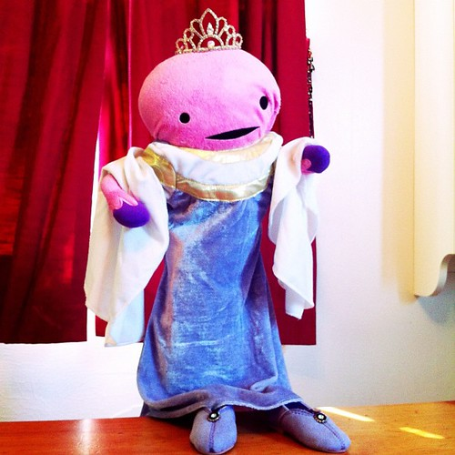 Who's Queen? #uterusadventures #dailyuterus