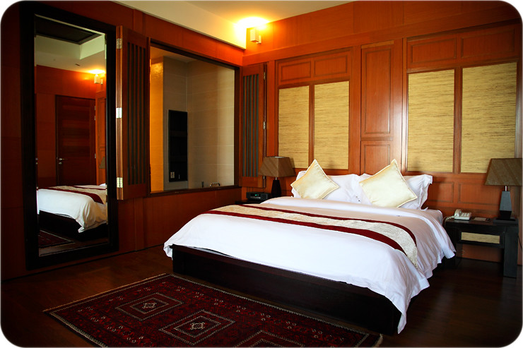 Anjung-Room-Bed