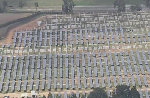Как вы можете видеть, работы над солнечной фермой приближаются к завершению. Напомним, что в начале августа объект практически пустовал