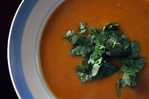 Græskarsuppe med chili og koriander