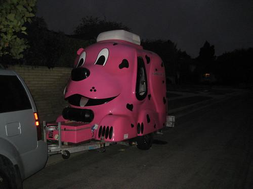 Pink mobile dog groomer