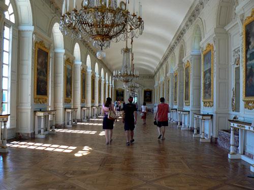 grand trianon galerie.jpg