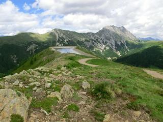 Bächlein von den Bergen der Alpen springen 2012-191
