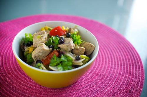 Kycklinggryta med grönsaker och bär