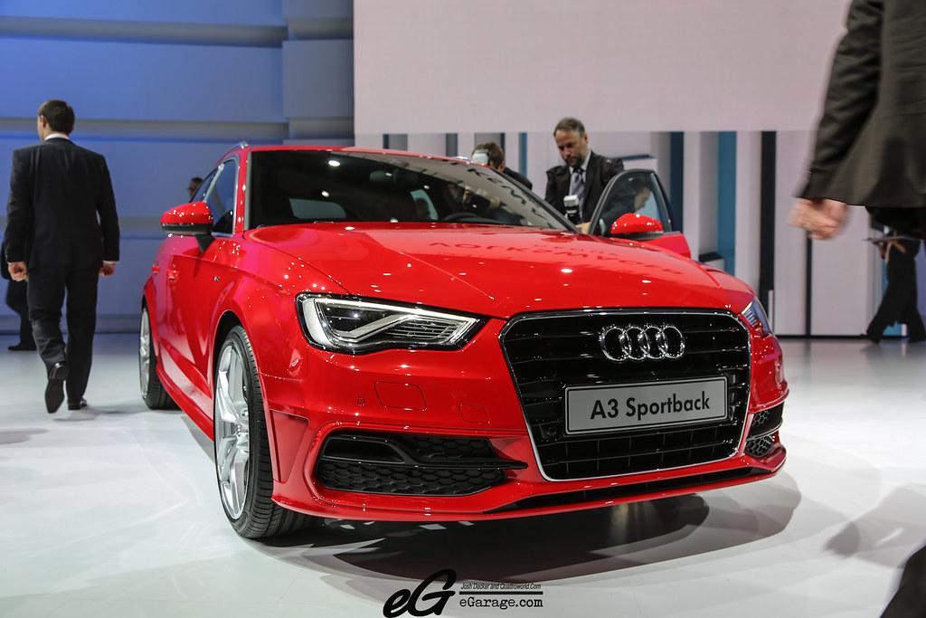 8030383355 24e0016821 b 2012 Paris Motor Show