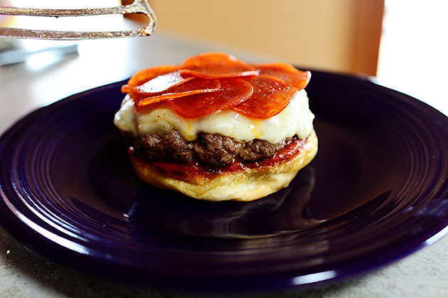 Pepperoni Pizza Burger ( recipe )