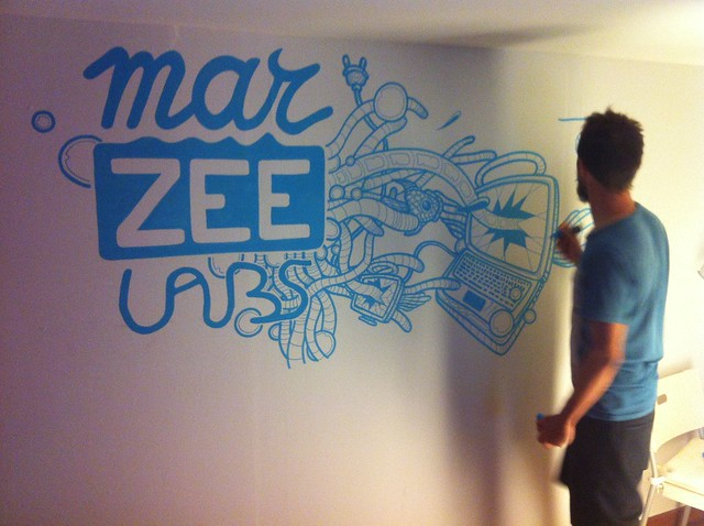 Gijs Vanhee painting the Marzee Labs wall