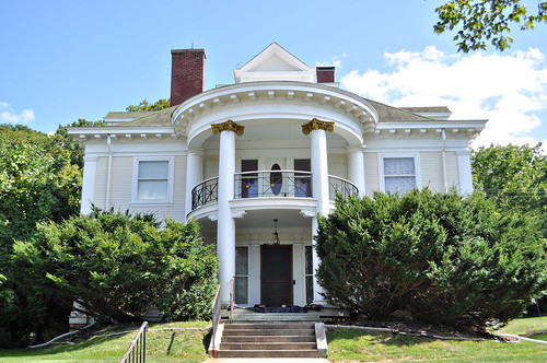Beautiful White Mansion in Red Wing
