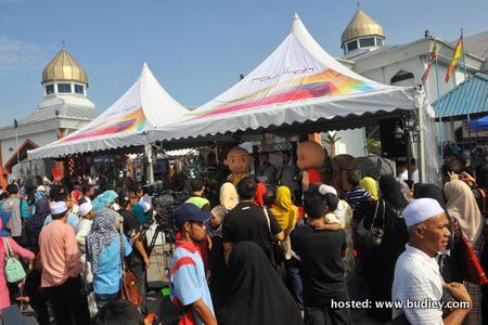 Pengunjung masjid Al-Falah USJ9