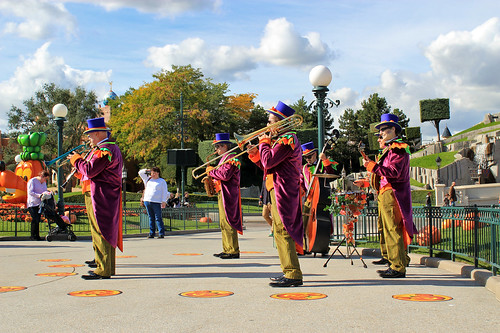 The Fabulous Hallo-Swing Orchestra
