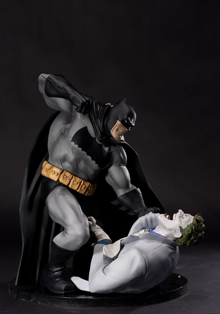 Frank Miller's The Dark Knight Returns 1/6 Vinyl Statue 8071822795_64f6b303b2_b
