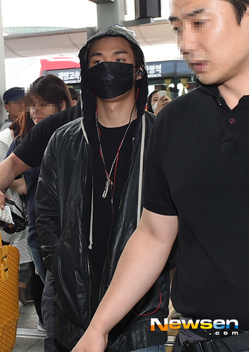 BIGBANG Incheon Airport to Shanghai Press 2015-06-19 063