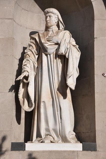Barcelona (Plaça de Sant Jaume) City Hall. Neoclassical facade. Statue of the Councillor Joan Fiveller. 1841-1844. Josep Bover, sculptor