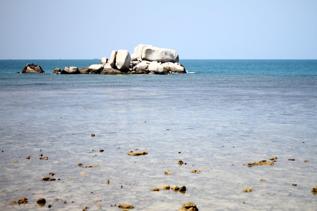Nikoi Island: Sea