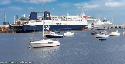 HMS Bounty photo