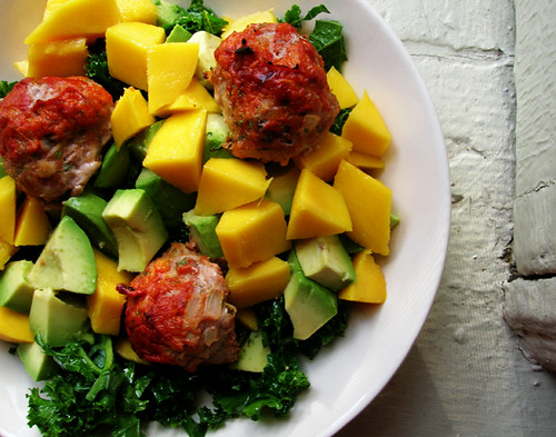 avocado kale salad with turkey meatbals and mango
