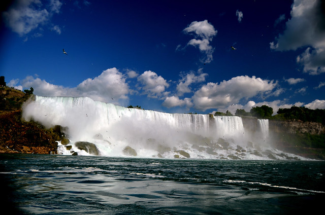 The American Falls at Niagara Falls by CC user somethingness on Flickr