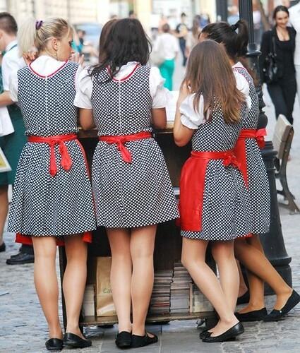 street girls red blackandwhite woman white black sexy girl beautiful amazon women dress legs leg candidcamera beautifulgirl pepita beautifulcomposition