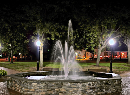 water fountain night connecticut stonefountain supershots glastonburyct pjddigipic centergreenglastonburyct