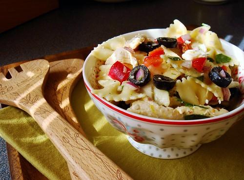 Pasta Salad with Chicken, Olives, Feta