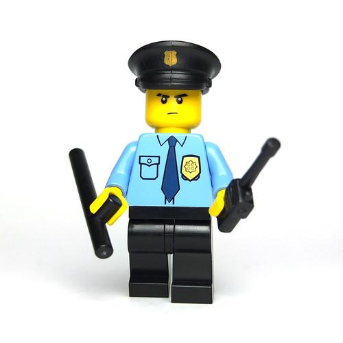 Lego Custom Police Officer by La Petite Brique