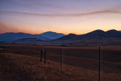zzz montana fire along the eastern slope and moon 1a (1 of 1)