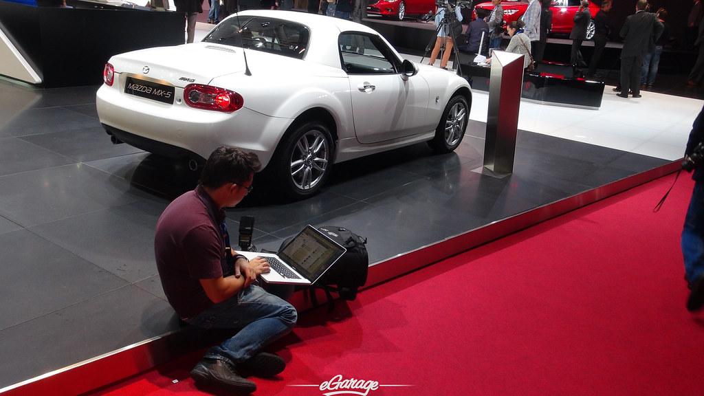 8034747375 9d7f1870e6 b eGarage Paris Motor Show Mazda Facebook