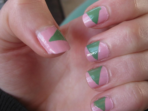 green triangle nails