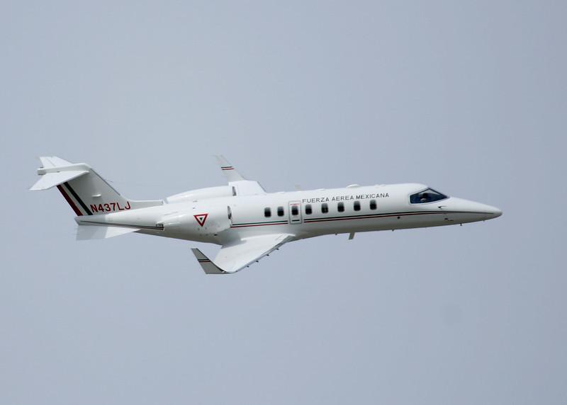 Adquisicón de Learjets 45 para la FAM 8049537492_c6861dc504_c