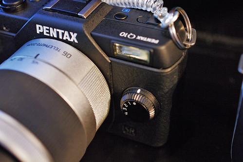 PENTAX-Q10-08-black-dial