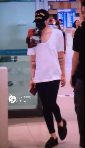 Big Bang - Incheon Airport - 02aug2015 - GD Fan - 01