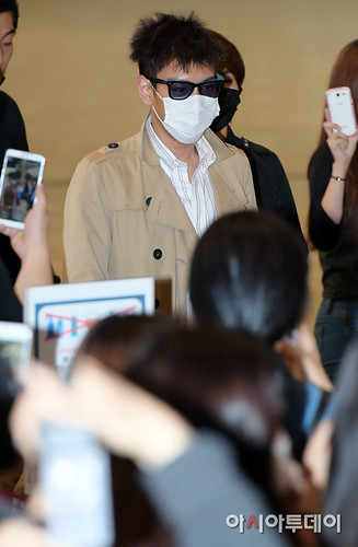 BIGBANG Gimpo Airport to Beijing PRESS 2015-06-05 005