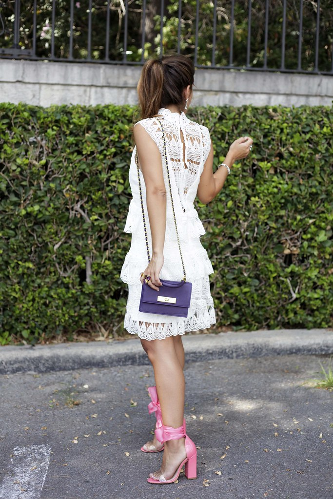 06_Little_white_dress_purple_touch