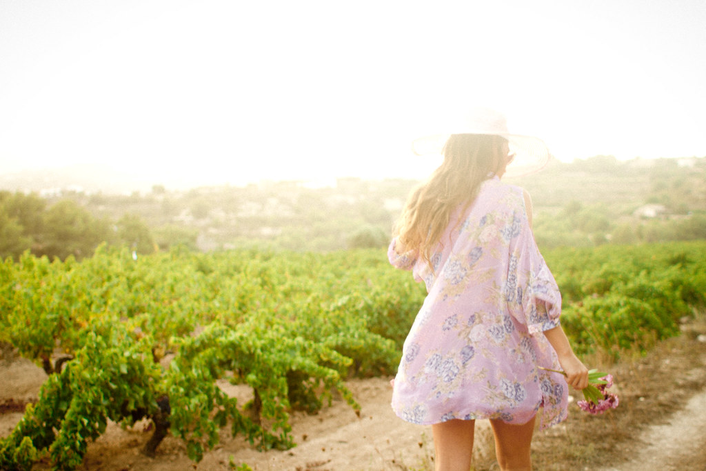 vineyard_trails_girl_2