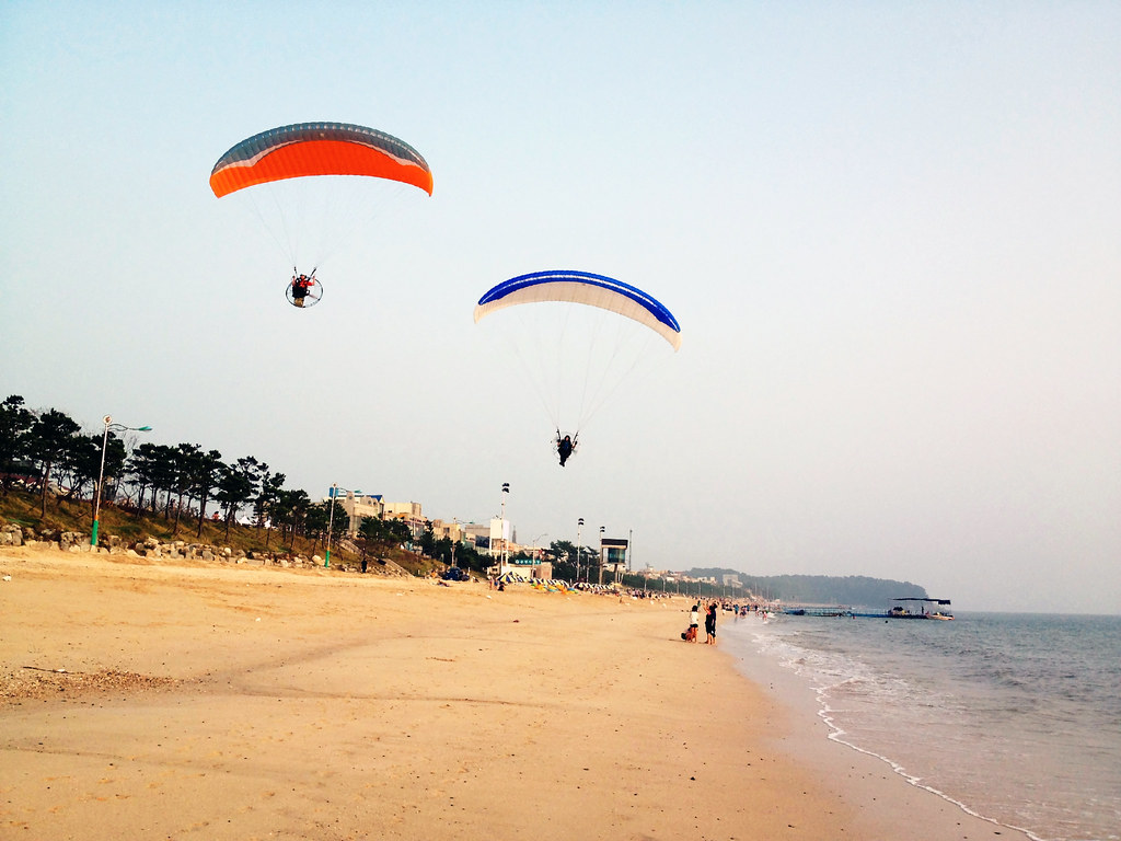 Gliding into Daecheon Beach