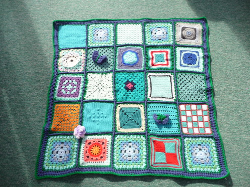 Thanks to 'The Wool Stop' for assembling this beauty. Thanks to everyone that sent in squares too!