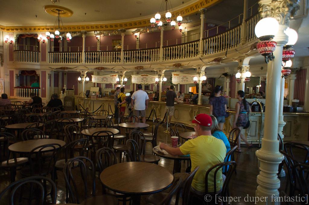Disneyland - Golden Horseshoe