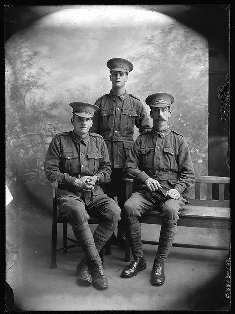 B46130_22 Clift family soldiers