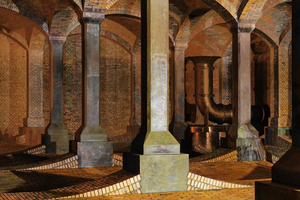 Katedra - podziemny zbiornik wody pitnej na Stokach