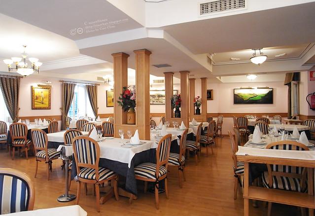 Hola Madrid~ 馬德里。La Panera 餐廳,花  €114  吃大餐!!!!!  R1043962